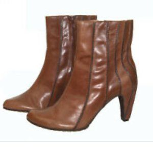 TSUBO COGNAC LEATHER ANKLE BOOTS SIZE 9.5